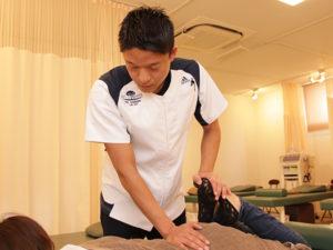 腰の施術写真